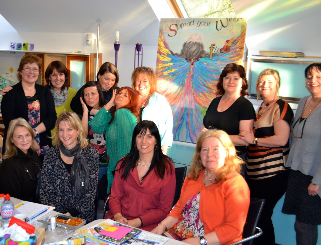 12 women posing for a photo at a Sally Canning workshop